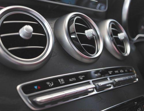 Ricaricare il gas dell'aria condizionata dell'auto, come fare.